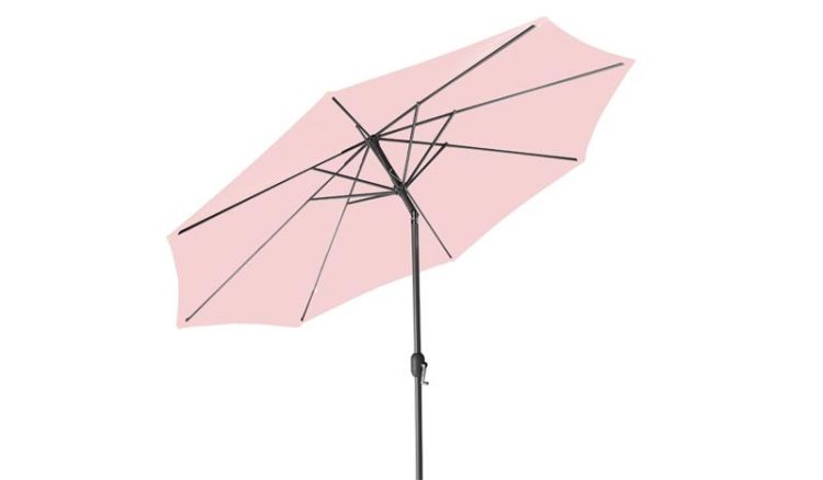 Die rosa Textilbespannung des Gartenschirms besteht aus 180 g/m2 starkem, wasserabweisendem Polyester