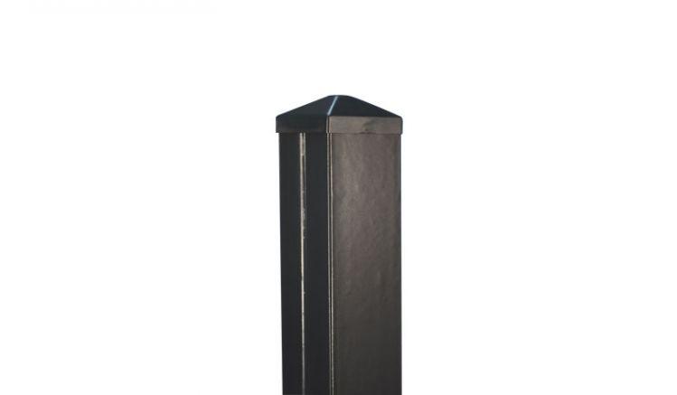 Der 7 x 7 cm Pfosten für den Aluminiumzaun Preston verfügt über einen stabilen 1,5 mm starken Aluminiummantel mit zusätzlicher Pulverbeschichtung. Dies verspricht Langlebigkeit ohne viel Aufwand.