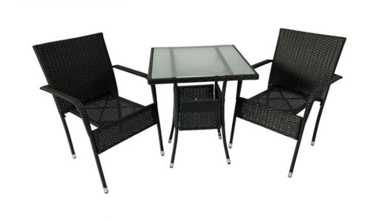 Der 60 x 60 x 73,5 cm Tisch hat eine quadratische Platte aus mattiertem Sicherheitsglas, die sich einfach reinigen lässt