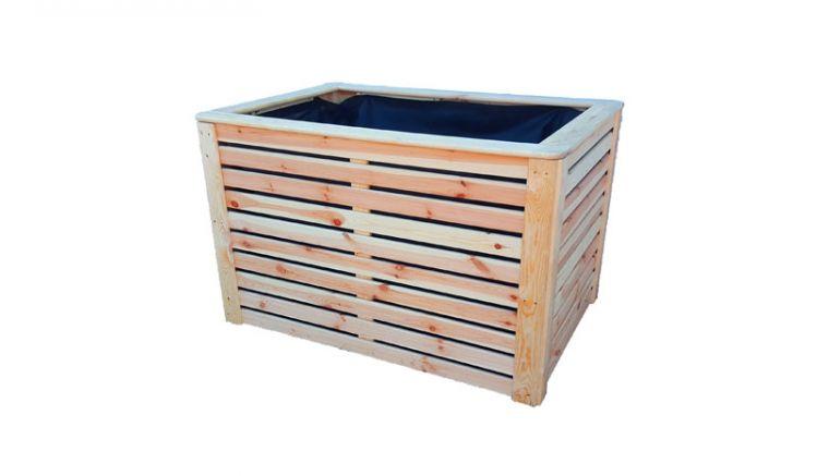 Das Hochbeet aus unbehandeltem Kiefer Holz wird inkl. eines Pflanzvlieses geliefert.