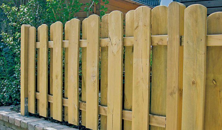 """Holz Gartenzaun """"Compact"""" aus druckimprägnierter Kiefer/Fichte mit 20 x 145 mm Lamellen und 28 x 70 mm Riegeln, Edelstahl verschraubt."""