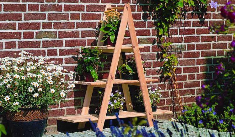 Unser Leiterregal verfügt über drei Etagen und bietet dadruch genügend Platz für Ihre Pflanzen und Blumen, 101 x 31 x 112 cm