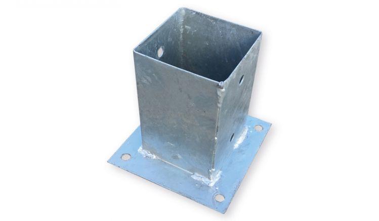 Für 9 x 9 cm Vierkantholzpfosten: Verzinkter Pfostenträger zum Aufschrauben auf Sockeln und Fundamenten