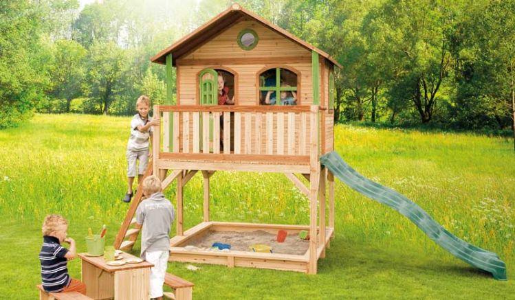 """Kinderhaus mit Sandkasten """"Simon"""" aus hochwertigem Zedernholz, TÜV-geprüft, verfügt über eine Rutsche, Veranda und Sandkiste."""