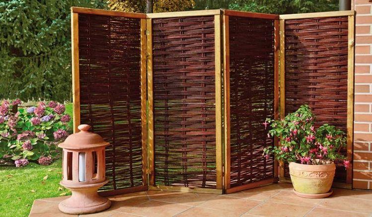 Der Sichtschutz Paravent aus Weide kann in den Maßen 240 x 160 cm oder 240 x 180 cm geliefert werden
