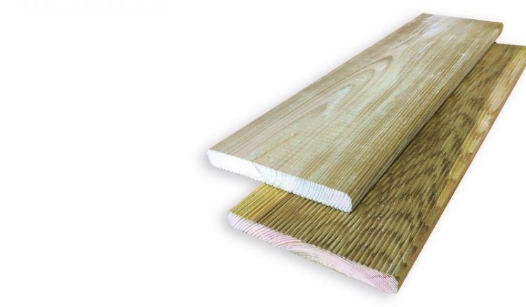 Druckimprägnierte 19 mm Terrassendielen aus Kiefer mit einseitiger Riffelung und gefasten Kanten, verfügbar in 2, 3 und 4 m Länge