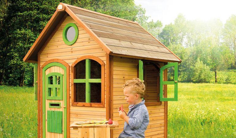 "Das Spielhaus ""Viktoria"" aus Zedernholz, TÜV-geprüft,  100% FSC, Maße: 120 x 118 x 174 cm."