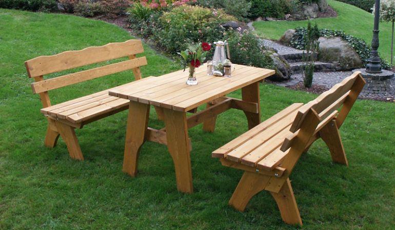 Gartenmöbel Massiv Trelleborg II - für kleine und große Familien erhältlich.