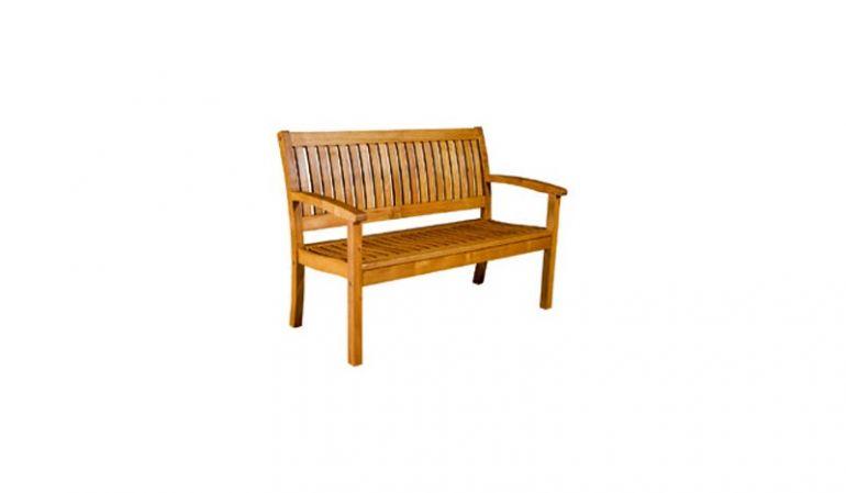 Die Holzbank Ottawa mit einer Breite von 123 cm. Bestehend aus braun geöltem Robinienholz
