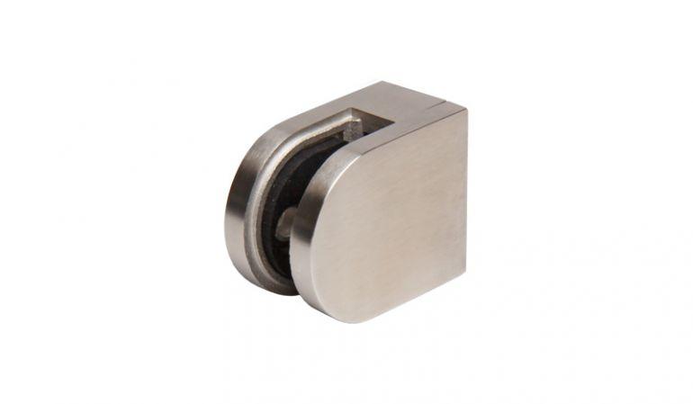 Die Universal Klemmbacken aus rostfreiem Edelstahl (V4A) haben das Maß 5 x 4 cm und dienen zur Befestigung der Sichtschutzelemente.