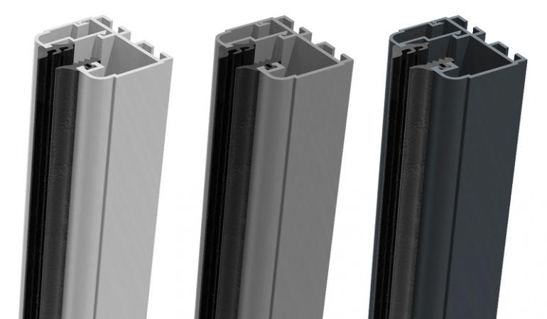 Die Universal Klemmschienen werden rechts, bzw links an den Pfosten befestigt und die HPL Verbundplatten eingeschoben - einfache Montage