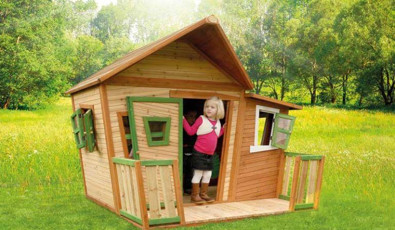 Die Kinderhütte aus 100 % FSC-zertifiziertem Zedernholz mit einem Maß 180 x 180 x 167cm bietet Ihren Kindern viel Platz zum spielen.