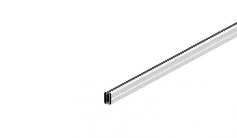 Schlag- und kratzfeste U-Profile aus pflegeleichtem Aluminium zum Abschluss von Steckzäunen in Silber oder Anthrazit