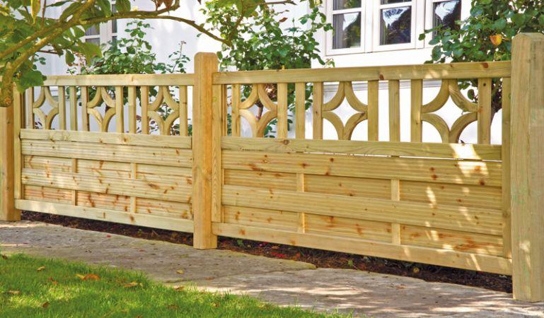 Gartenzaun für die Terrasse aus Holz