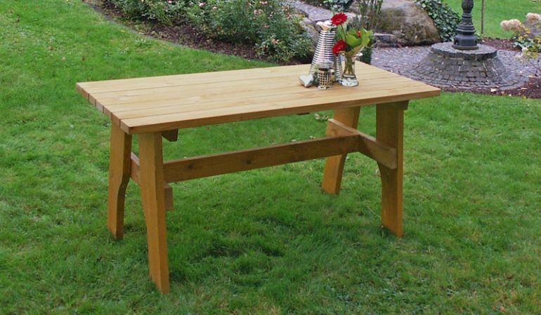 Gartentisch aus massiven Kiefernholz erhältlich in diversen Maßen.