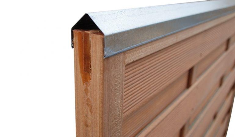 Das Zaunschutz Profil ist 1,8m lang und in Edelstahl oder aus verzinktem Stahl erhätlich, es eignet sich hervorragend für Zäune mit 45 mm breiten Rahmen