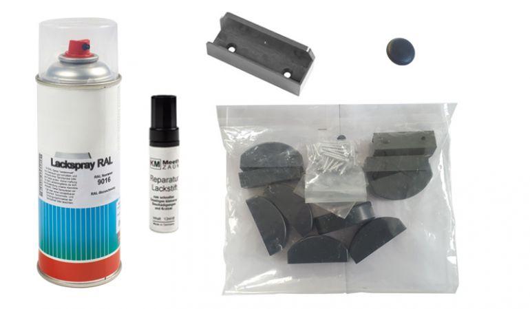 Das Zaunzubehör der Aluminium Zaunserie Preston. Beinhaltet: Reparatur-Lackstift, Reparaturlack 400 ml, Bausatz für Staktenzaun, Montageschuh und Schraubkappen - Anthrazit.