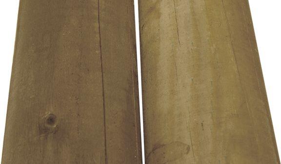 Farbunterschiede bei druckimprägniertem Holz
